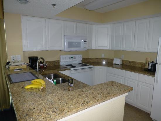 Carolinian Beach Resort  Kitchen   corner 2 Bedroom suite. Kitchen   corner 2 Bedroom suite   Picture of Carolinian Beach