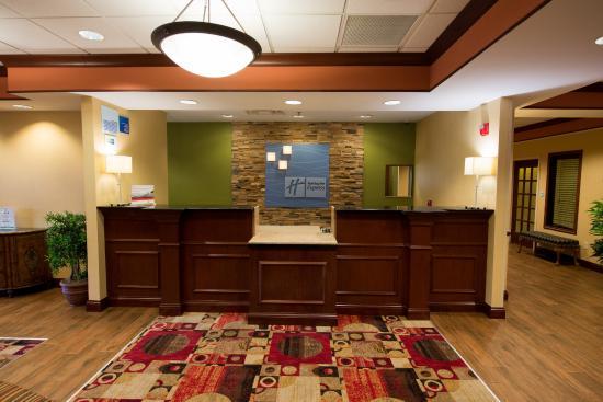 holiday inn express suites dayton centerville updated. Black Bedroom Furniture Sets. Home Design Ideas