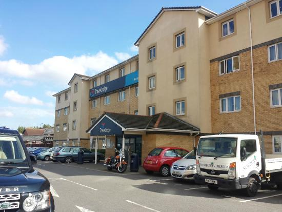 Travelodge Harlow Hotel: the entrance