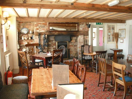 The Coach & Horses: Eating area