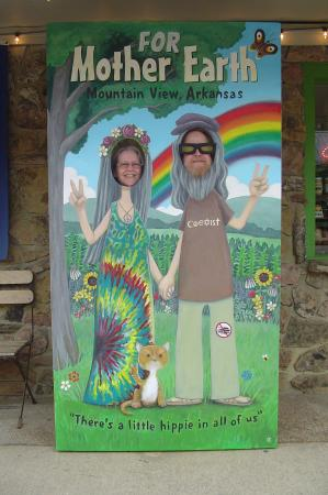 Mountain View, AR: Take your photo in our Hippie sign!