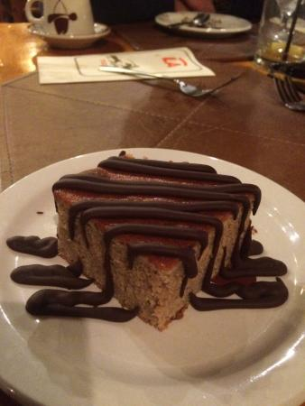 Averill's Flathead Lake Lodge: Not sure what this dessert was, but it was good!