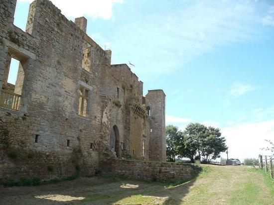 Lassay-les-Châteaux, Francia: à l'extérieur