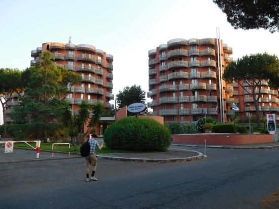 Residence Parco dei Medici: View of the hotel