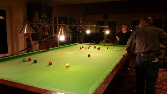 Camillaun Lodge & Angling Centre: Snooker table