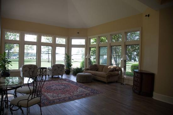 Chestertown, MD: Sun room