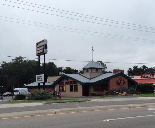 Texas Roadhouse: Exterior view. Prices aren't bad!
