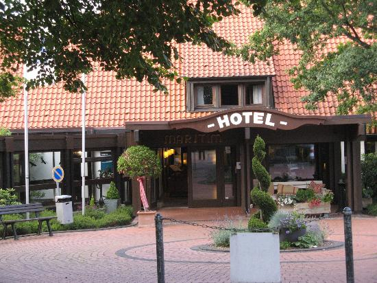 Maritim Hotel Schnitterhof: Front of the hotel