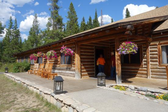 Jenny Lake Lodge Dining Room: Entrance To The Lodge Part 14