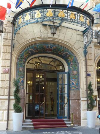 Hotel paris entrance art nouveau gem picture of hotel for Art hotel prague