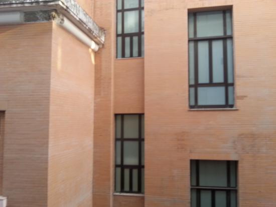 B&B Platamon : Vista dal bancolene della prima stanza a destra