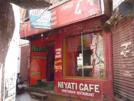 Niyati Cafe: Front