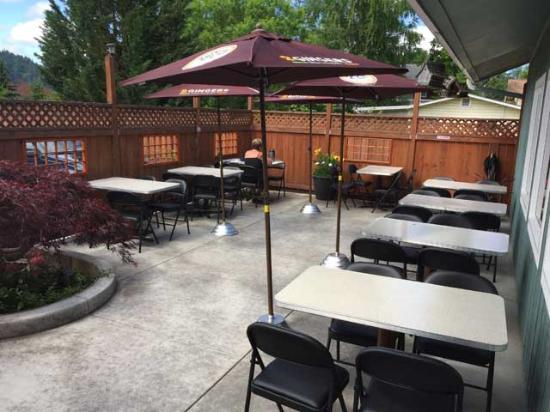 Walterville, OR: Outside Patio Dining