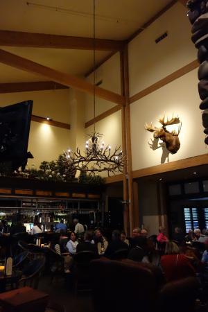 Grouse Mountain Lodge Restaurant Decor