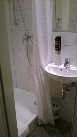 salle de bain - Bild von Apple City Hotel, Berlin - TripAdvisor