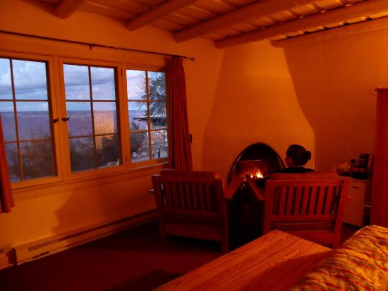 Bright Angel Lodge: Inside Rim Cabin #6152