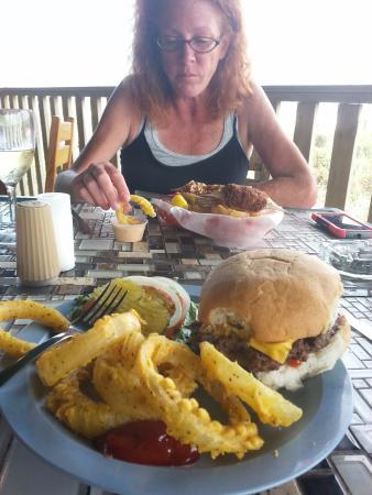 Beach Lodge Restaurant : Great Burgers!