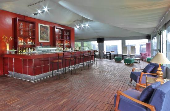 Parador San Juan de Dios : Bar