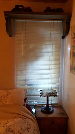 Casa Pacifica Bed and Breakfast: Room $120/night. Blinds, $4 at Walmart.