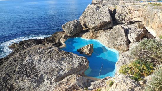 Piscine d 39 eau de mer dans les rochers picture of for Piscine sarrebourg