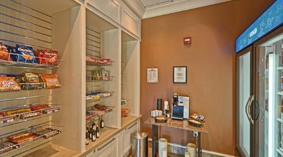 24hr Pavilion Pantry Market Picture of Hilton Garden Inn Mt
