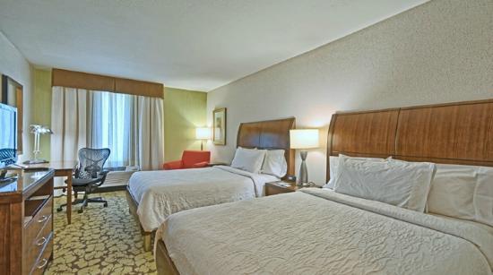 Hilton Garden Inn Mt. Laurel: Double Beds at our Mt. Laurel Hotel