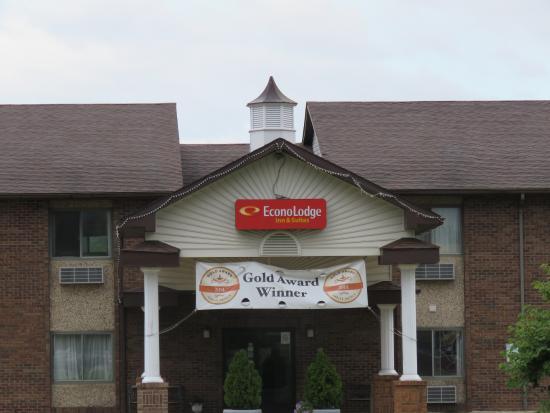Econo Lodge Inn & Suites - Greenville, IL