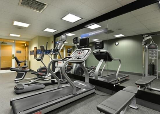 Hampton Inn Philadelphia/Bridgeport: Fitness Room