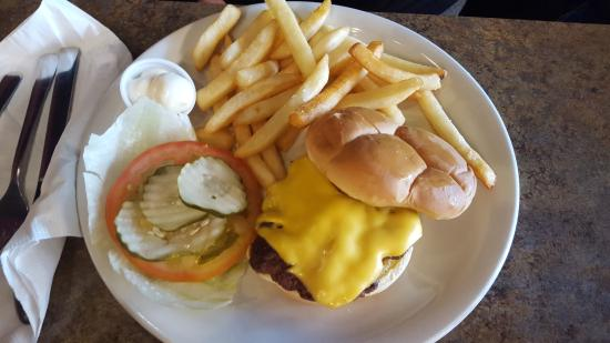Lulu's Diner: Cheeseburger