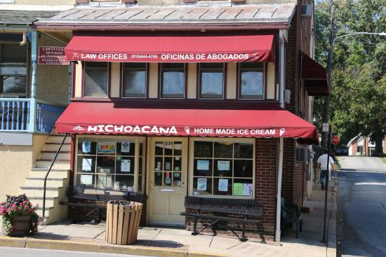 Michoacana Icecream : This is THE place for ice-cream