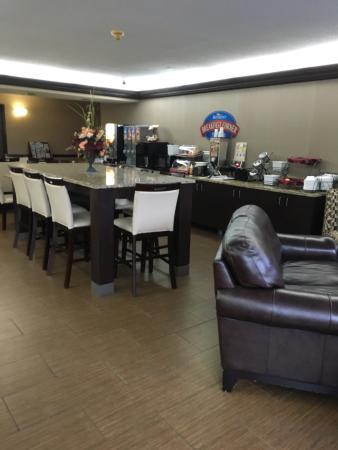 Baymont Inn and Suites Harrodsburg : photo1.jpg