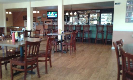 Fowler, Kolorado: Bar area.
