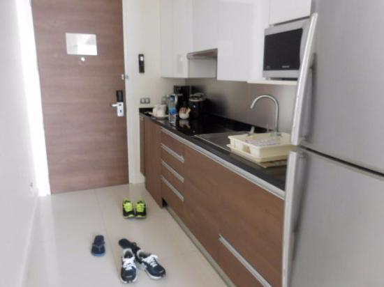 Oakwood Residence Sukhumvit 24: キッチン
