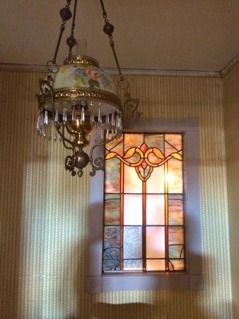 Alturas, Kalifornien: More Original Windows and Light Fixtures