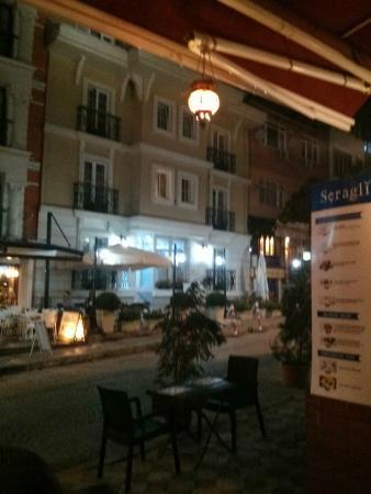 Hotel Seraglio: Front of hotel
