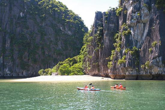 Cat Ba Tours - Private Day Tours
