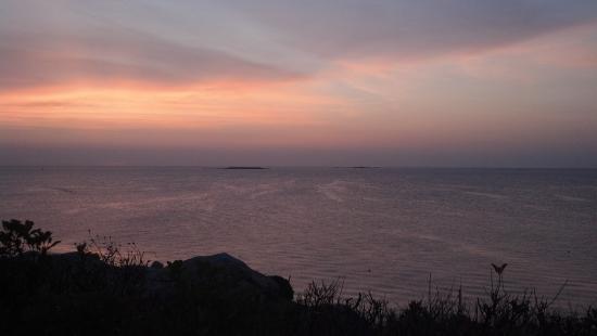 Yankee Clipper Inn: The sky just before sunrise.