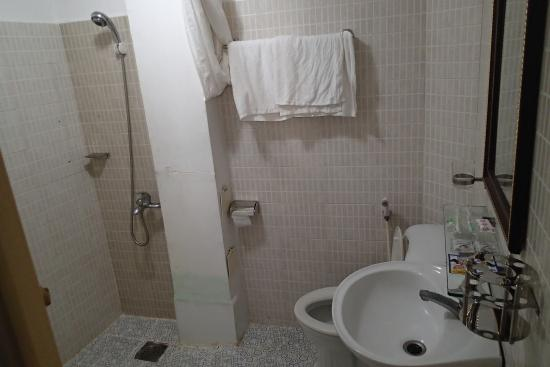 Vy Khanh Guesthouse: Bathroom