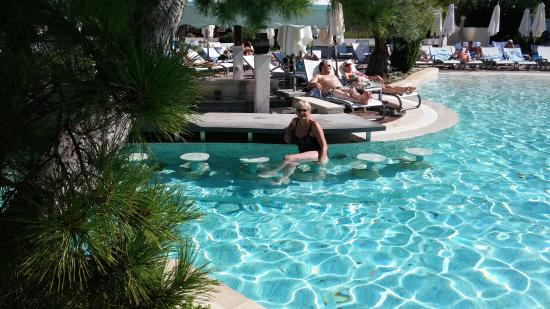 Amfora Hvar Grand Beach Resort The Pool Swim Up Bar