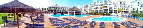 โรงแรมเฟอร์เต้ เอสเทโปน่า: Salzwasser-Poolanlage mit Poolbar