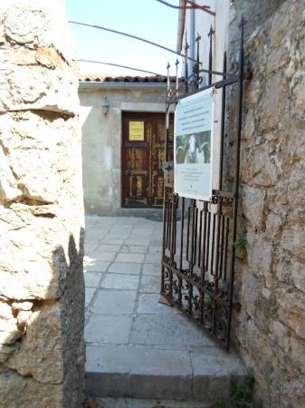 Cres Island, Κροατία: Entrance to Sheep Breeding Museum
