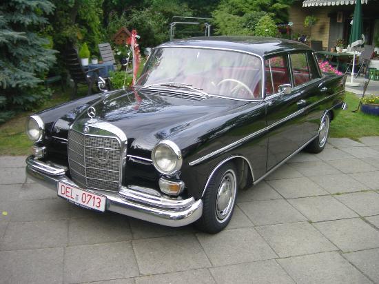 Rasch Limousinenservice: 1966 Mercedes Bens D200