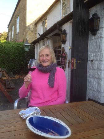 Kemerton, UK: After a lovely lunch at the Crown