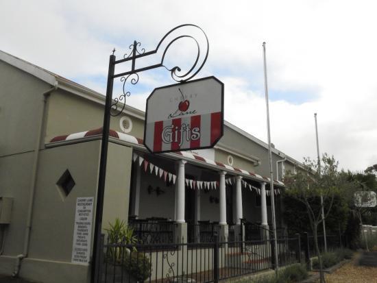 Malmesbury, Republika Południowej Afryki: Esterno