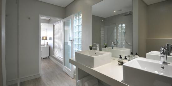 Gordon's Bay, Sudáfrica: GRAND SUITE - Bathroom