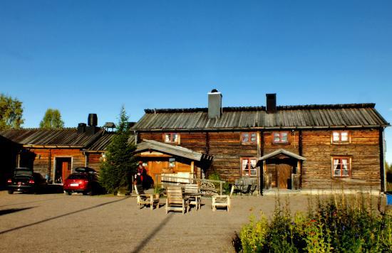 Knappgarden Pension & Restaurant: Gården.