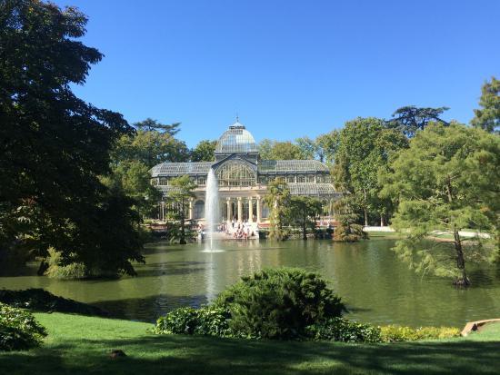 Hostal Bruna: парк в 5 минутах ходьбы от отеля