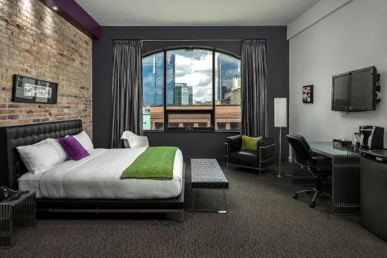 Hotel Metro: Loft King, Our Signature Suite - Open Concept
