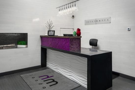 Hotel Metro: Lobby Reception