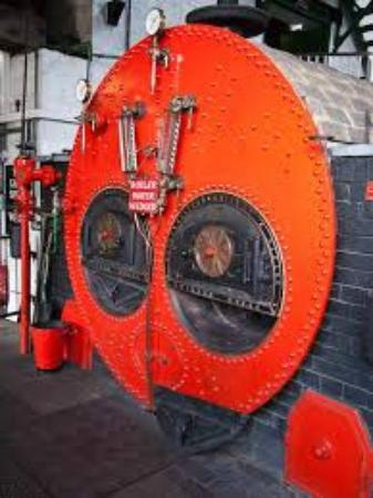 Claverton, UK: Purposeful boiler